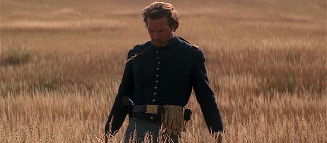 Kevin Costner dans Danse avec les loups (1990)