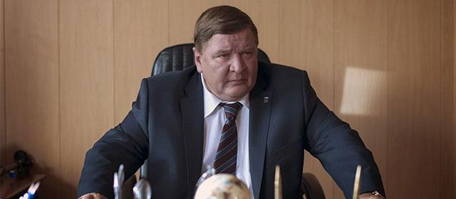 Roman Madyanov dans Léviathan (2014)