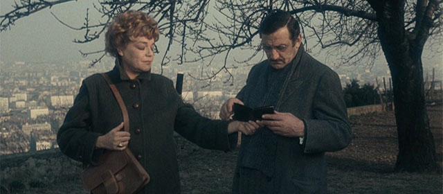 Simone Signoret et Lino Ventura dans L'Armée des Ombres (1969)