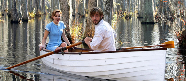 Rachel McAdams et Ryan Gosling dans N'oublie jamais (2004)