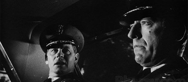 Frank Overton et Fritz Weaver dans Point Limite (1964)