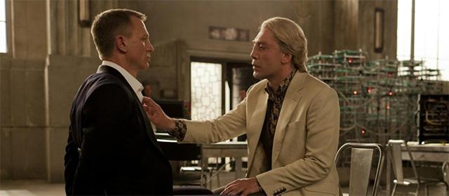 Daniel Craig et Javier Bardem dans Skyfall (2012)