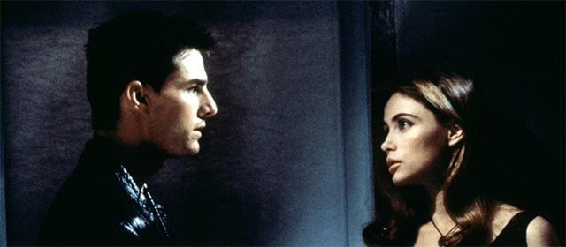 Tom Cruise et Emmannuelle Béart dans Mission : Impossible (1996)