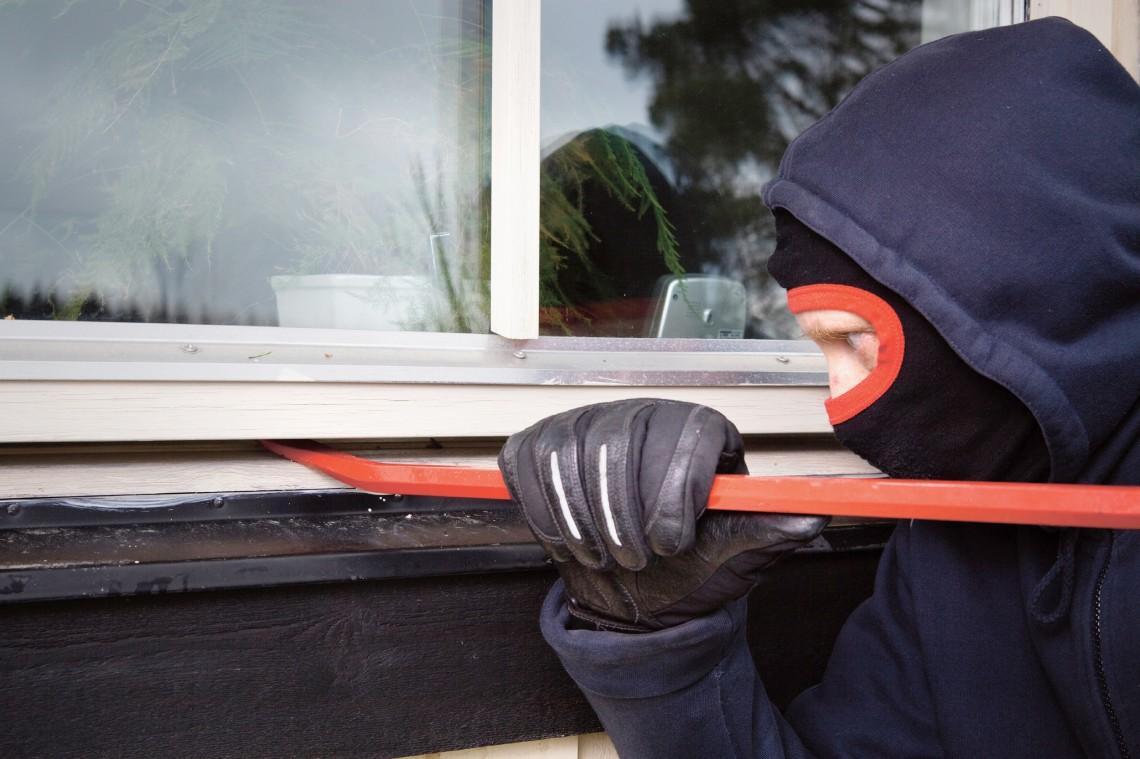 Tyven benytter ofte vinduet til at komme ind