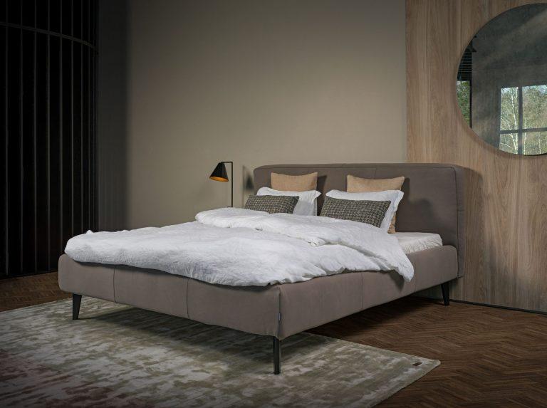 Shabby Bed