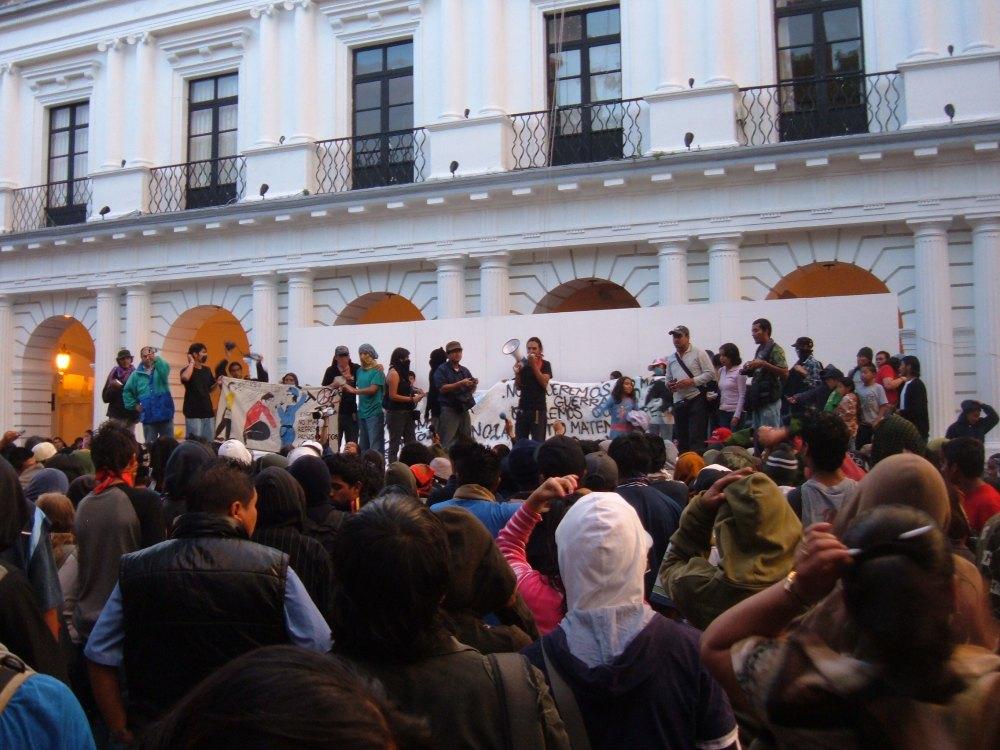 Marchan jóvenes graffiteros por San Cristóbal de Las Casas (4/5)