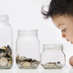 Детските добавки са жест на обществото към родителството, а не милостиня!