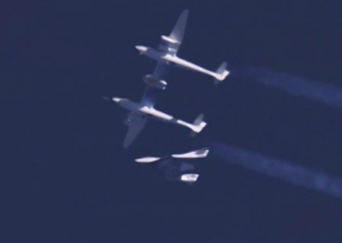 Virgin Galactic's SpaceShipTwo Explodes over Mohave Desert