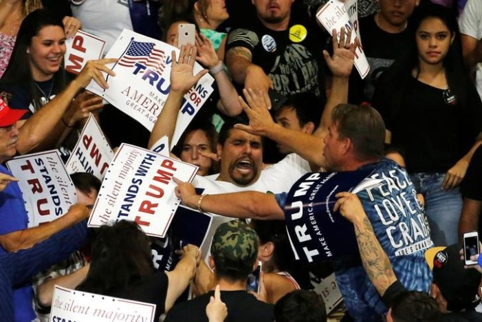 """Police Warn """"Swift"""" Action Against Anti-Trump Protesters"""