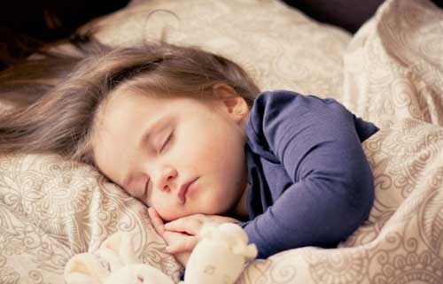 Little kids' regular bedtimes and ability to regulate emotions may lessen obesity risk