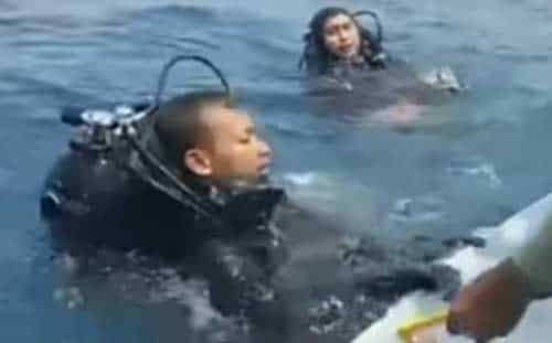 Indonesian Divers Recover 'Black Box' From Lion Air Jet
