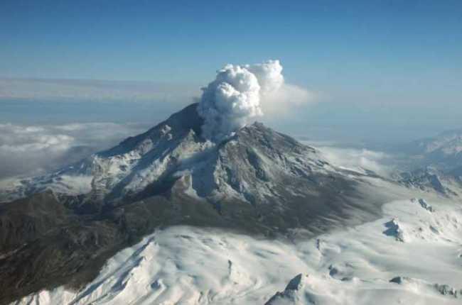 Mount Redoubt, 108 miles southwest of Anchorage during March 31st, 2009 eruption. Image-R.G. McGimsey/Alaska Volcano Observatory/USGS