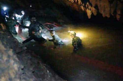 Thai Rescue Diver Dead After Running Out of Air