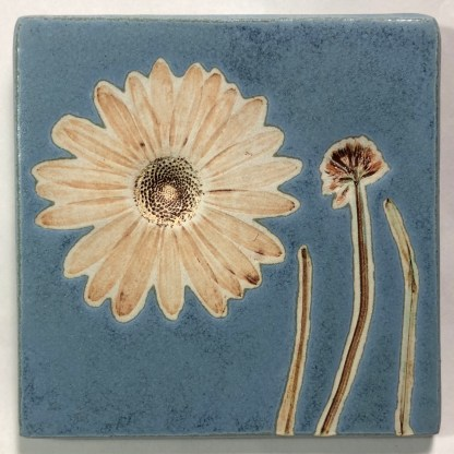 Daisy with Clover Tile