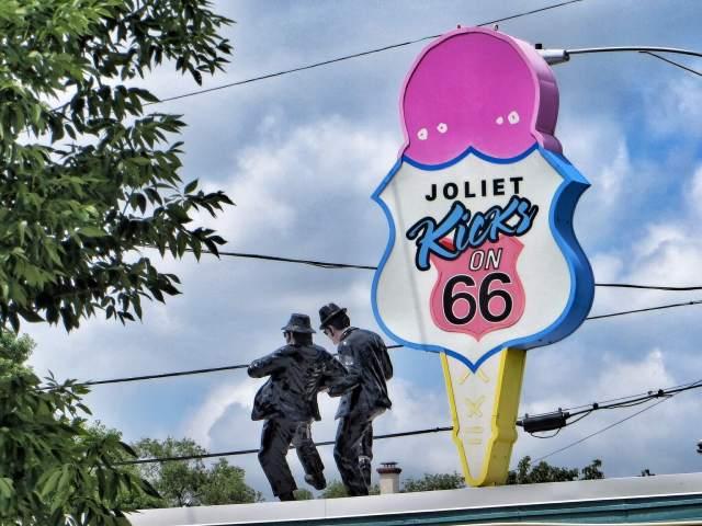 Edelleen Jolietissa: The Blues Brothers.