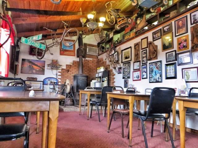 Hieno paikka, normimättöaamiainen. Mr Maesta's Family Restaurant, Holbrook, AZ.