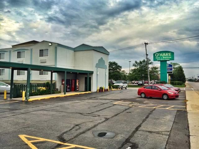 O'Hare Inn & Suites,  alempaa peruskeskitasoa.