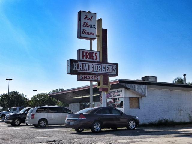 Entinen Fat Elvis Diner, nykyisin Fat ElvUS Diner. Yukon, OK.
