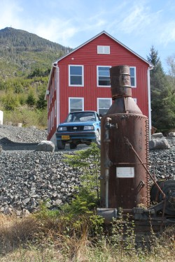 Kasaan 12 Rusting cannery equipment, D. Sylvia, April 25, 2017