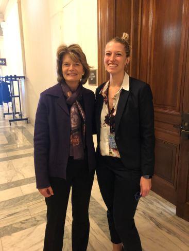 Senator Lisa Murkowski poses with Knauss fellow Ann-Christine Zinkann