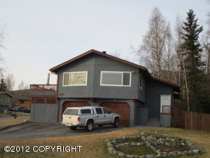 9713 St Lawrence Circle in Eagle River AK