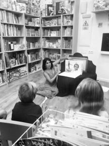 Concha Jiménez, autora de la ilustración de la obra de teatro
