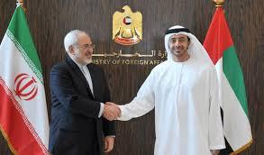 صورة ظريف خلال تلقيه اتصالاً من نظيره الإماراتي: لضرورة الحوار في ظل الظروف الحساسة