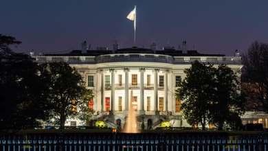 صورة الحزن في البيت الأبيض واللطم في الشرق الأوسط