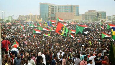 صورة روح الثورة تعود لتنبض في قلب الشعب السوداني.. ما هو مصير الحكومة العميلة؟