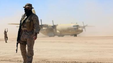 صورة القبائل المتحالفة مع السعودية تطعن الرياض وسط معركة حسم مارب