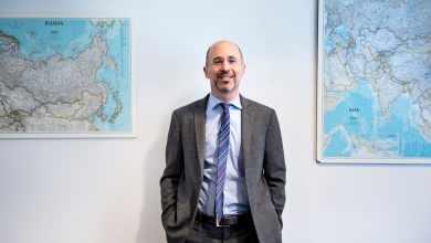 """صورة """"روب مالي"""" مسؤول ملف إيران الجديد في واشنطن ومستقبل الاتفاق النووي"""