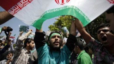 صورة ثورة إيران مستمرة