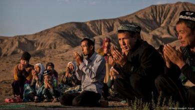 """صورة """"فيسبوك"""" يكشف عملية قرصنة صينية تستهدف مسلمي الأويغور"""