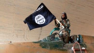 صورة داعش وتشرين وجهان لعملة واحدة