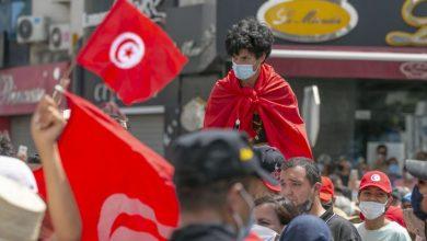 صورة إنقلاب تونس..صلاة بغير طهارة