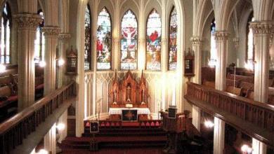 """صورة للمرة الأولى.. الكنيسة البروتستانتية الفرنسية """"تبارك"""" زواج قسيستين مثليتين"""