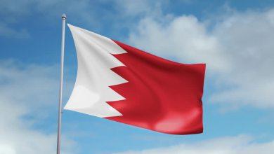 صورة النظام الخليفي يعتدي على المظاهر العاشورائيّة والرايات في البحرين