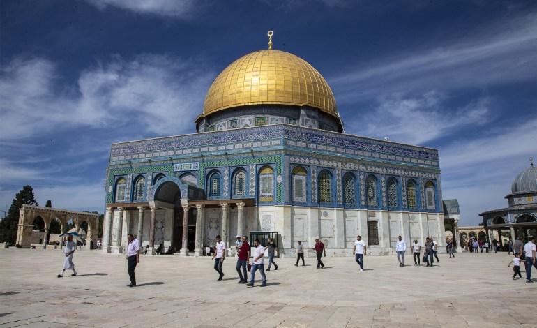 """صورة سلطات الإحتلال تكرس""""تهويد القدس""""؛فهل من منقذ؟"""
