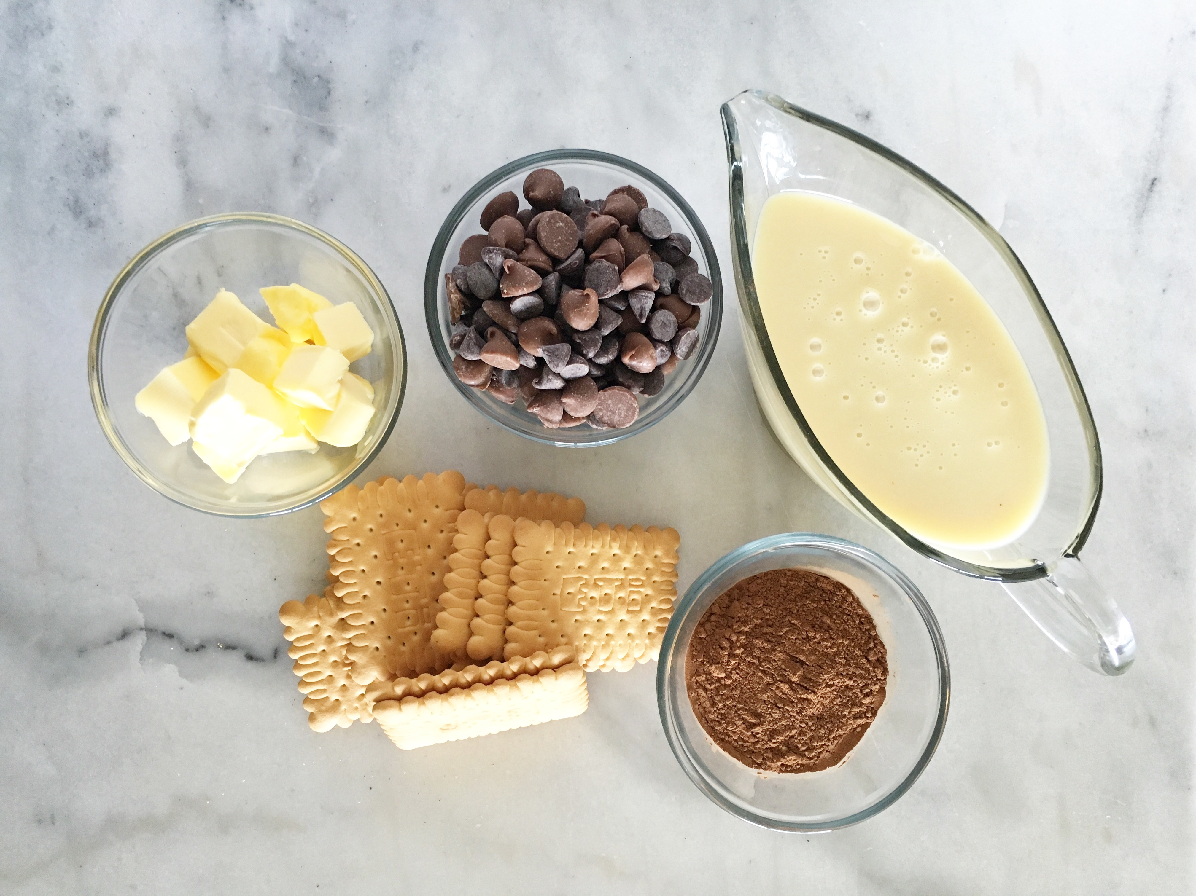 Lazy cake recipe with melted chocolate