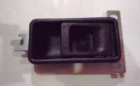 DOOR HANDLE INNER RIGHT HAND BLACK M/ L300