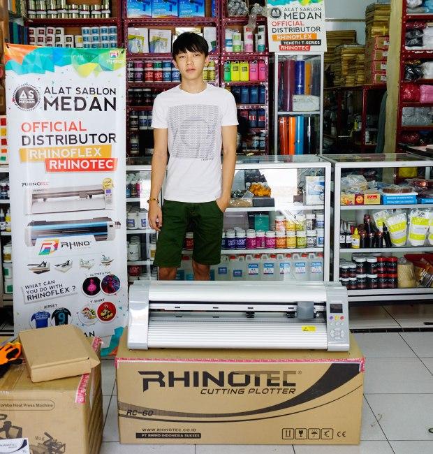 Juragan pembeli mesin cutting sticker