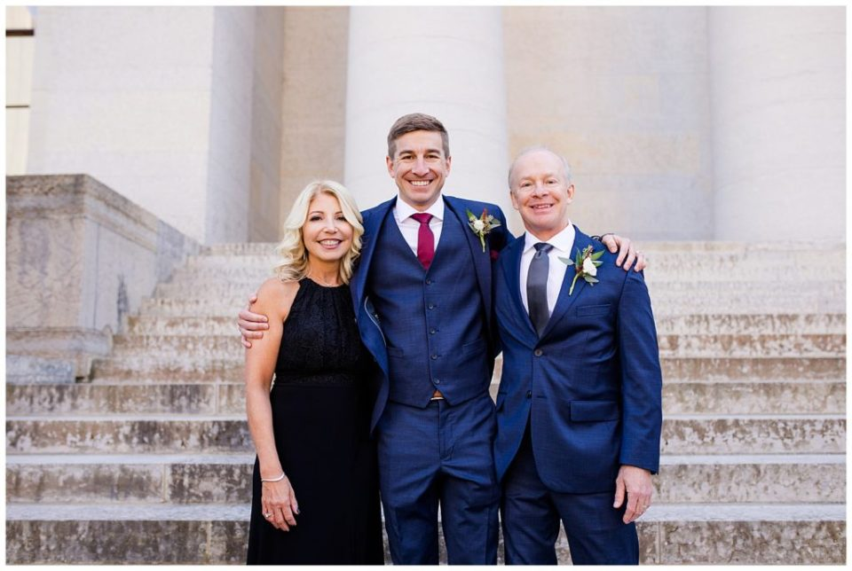 groom and his parents outside ohio statehouse