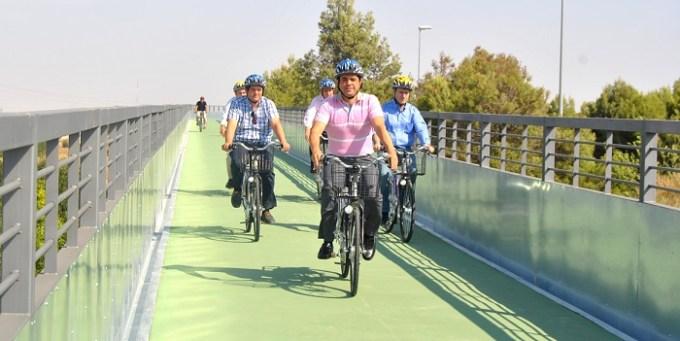 El Alcalde inaugura la Pasarela Ciclista