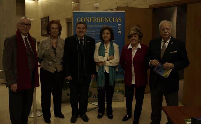 """La """"Mesa Redonda sobre Albacete, ayer y hoy"""" concluye que la ciudad ha entrado en un proceso de involución"""