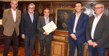 La familia Precioso García dona a la Diputación de Albacete la obra que Julio Romero de Torres pintó a su antepasado
