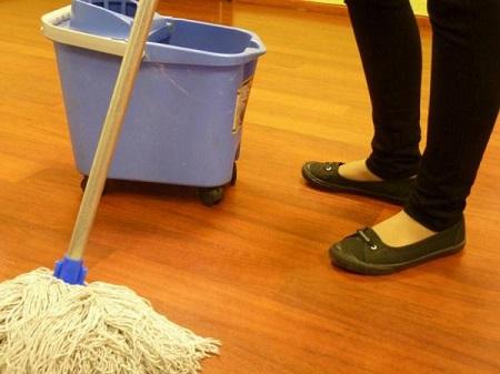 """El día a día de las trabajadoras del hogar: """"En el mismo pack quieren que seas enfermera, cocinera y limpiadora"""""""