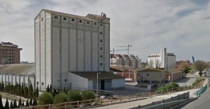 El PSOE propone convertir en antiguo silo en una 'fábrica cultural'