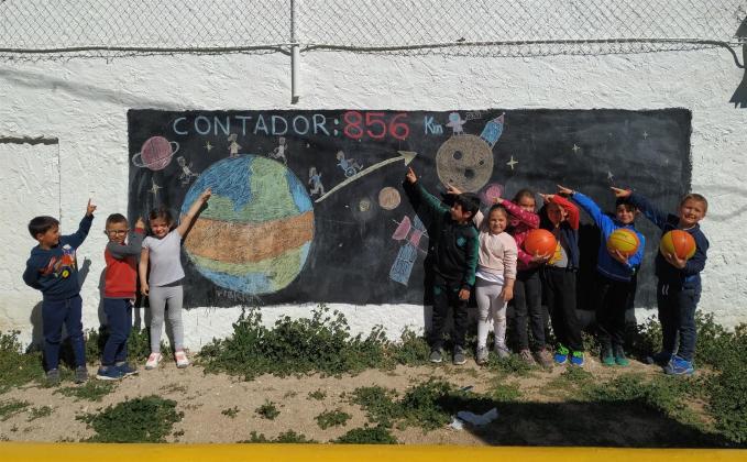 Escolares de 100 centros han recorrido ya un tercio del viaje de 'C-LM viaja a la luna', en su reto deportivo del curso