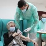 Castilla-La Mancha prioriza la segunda dosis de la vacuna, ante los problemas de distribución de Pfizer