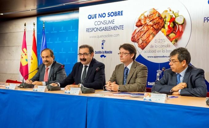 """Toledo 21 diciembre 2015. Presentación campaña """"Consumo responsable en navidad"""" (Foto: Carlos Monroy//JCCM)"""